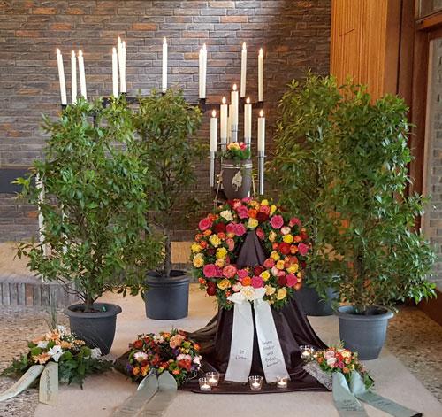 Brauns Bestattungen · Überführungen · Bestattungsvorsorge in Minden, Hille & Lübbecke· Trauerfeier in der Kappelle Haddenhausen
