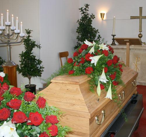 Brauns Bestattungen · Überführungen · Bestattungsvorsorge in Minden, Hille & Lübbecke· Trauerfeier in der Kappelle Häverstädt