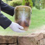 Brauns Bestattungen · Überführungen · Bestattungsvorsorge in Minden, Hille & Lübbecke· Urne